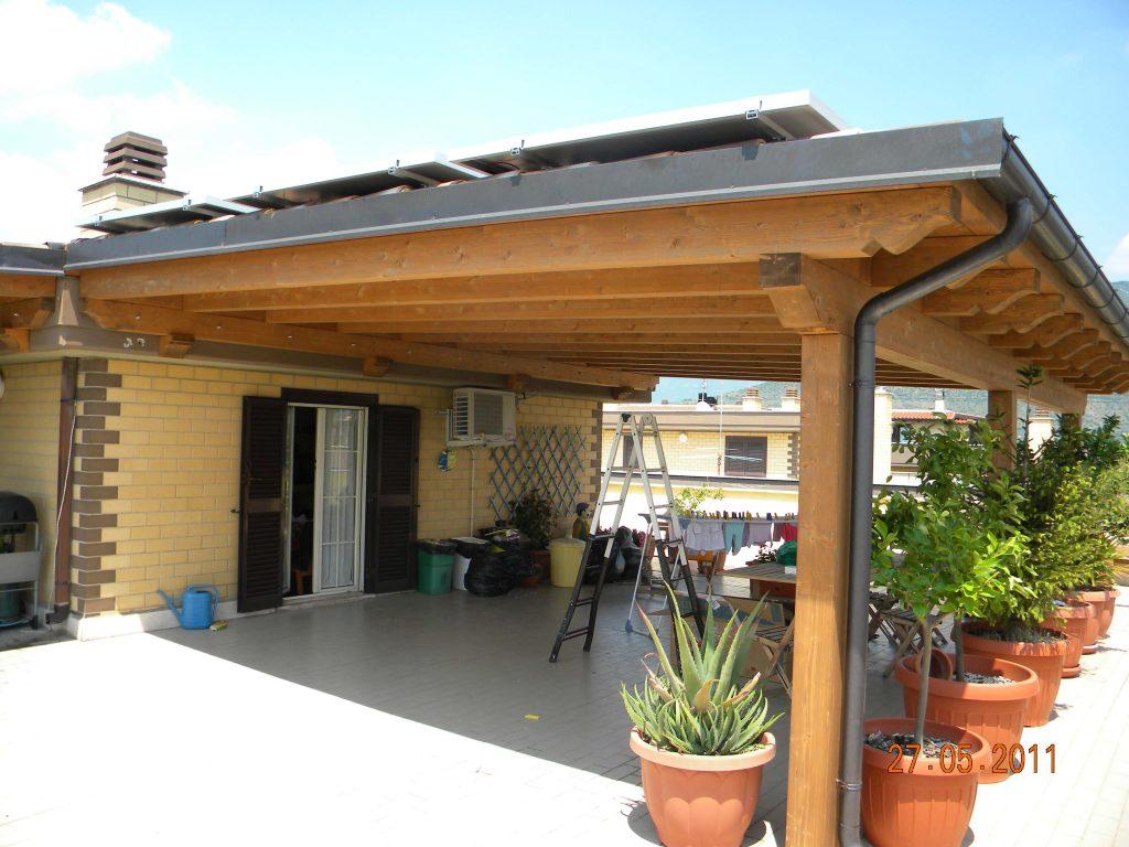 Portico con fotovoltaico tivoli asso strutture for Case con portici